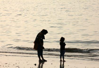 子育てに付きまとう罪悪感は「時差ボケ」のようなもの